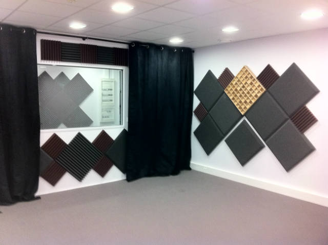 sonex construction de studio d 39 enregistrement et travaux. Black Bedroom Furniture Sets. Home Design Ideas